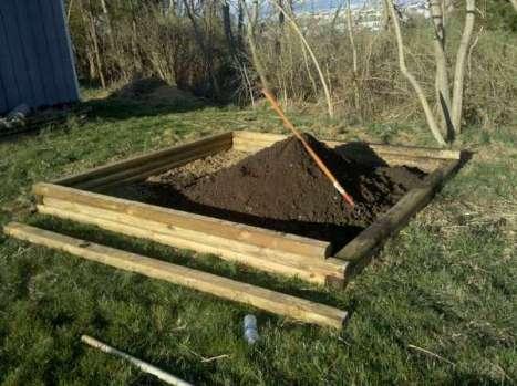 application du compost mature au potager. Crédit photo (c) Renee